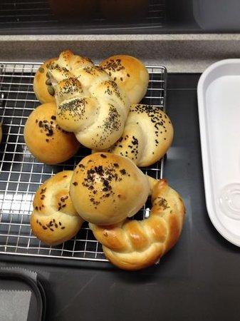 Northcote Cookery School: Easy bread rolls