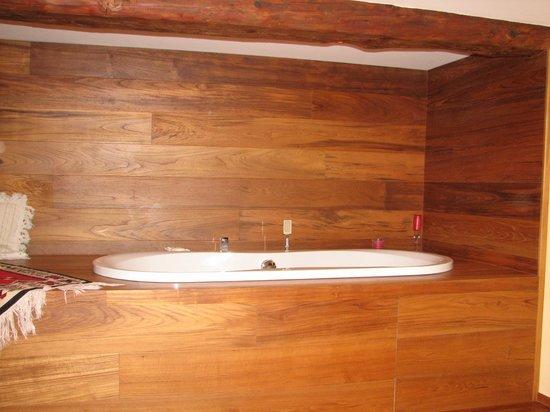 Vasca Da Bagno Doppia : Vasca da bagno doppia nellarea benessere foto di b&b raggi di