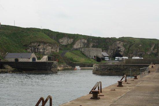 Ballintoy Harbour: Ballintoy Harbor