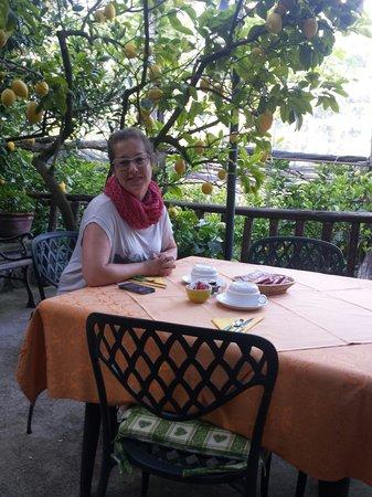 Agriturismo La Lobra: Breakfast