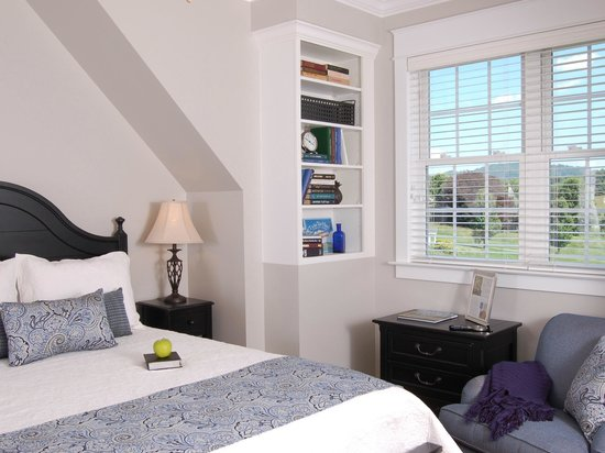 Bed and Breakfast on Tiffany Hill: Madison Suite