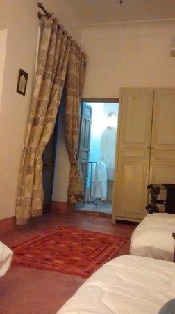Riad Agathe: Habitacion, amplia, con 3 camas individuales