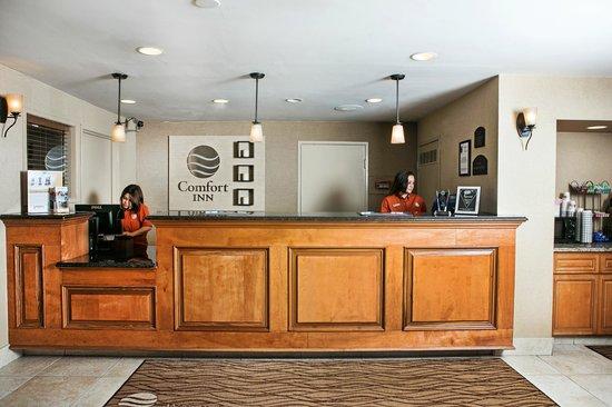Comfort Inn Utica: Guest Reception Center