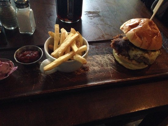 Green Chimney: Boulsworth burger with skinny fries. Awesome!!