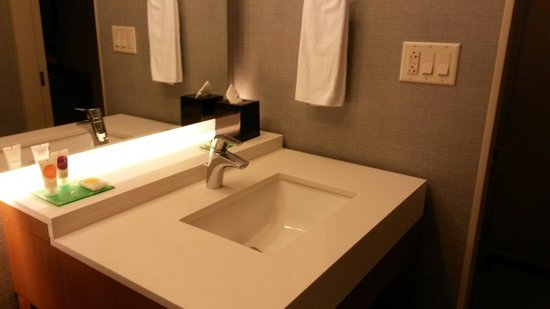 Hyatt Place Manati: Super clean bathroom
