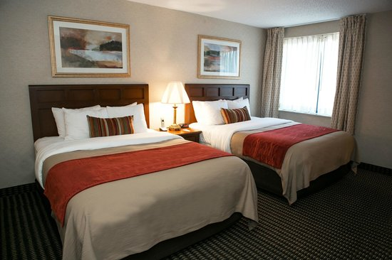 Comfort Inn Utica: Queen/Queen Room Accommodation