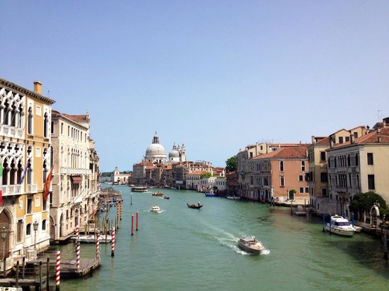 Ponte dell'Accademia : View from the Ponte de Accademia.