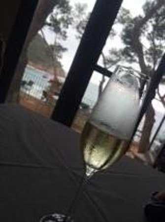 Hotel Hostalillo : Champagne at Breakfast