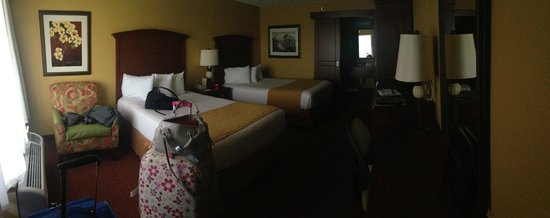 Rosen Inn at Pointe Orlando : Poorly lit rooms