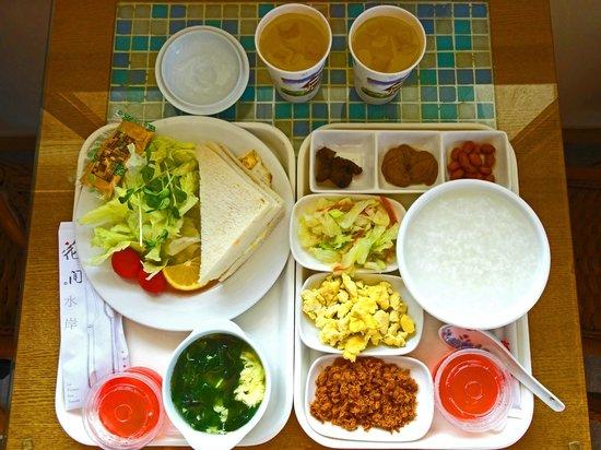 La Flower Sea Resort Danshui : Generous breakfast