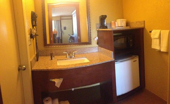 Rosen Inn at Pointe Orlando: Kitchen area