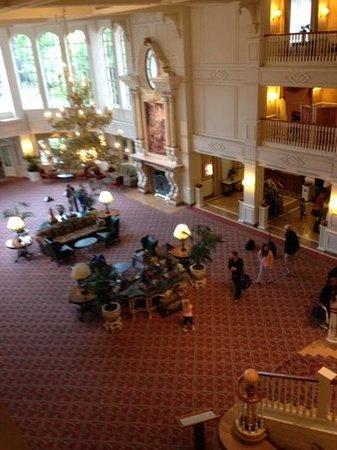 Disneyland Hotel : lobby