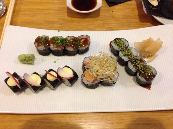 Arume Restaurant: 16 maki mix / 16€.