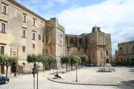 Piazza Pisanelli