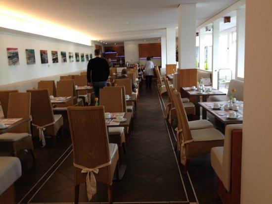 Carat Hotel & Apartments München: Salón del desayuno