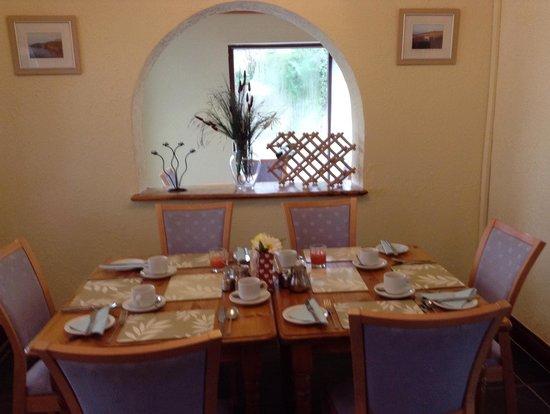 Ivybridge Guest House: Dining Room