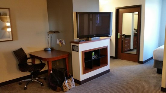 Hyatt Place Fort Worth Cityview : TV