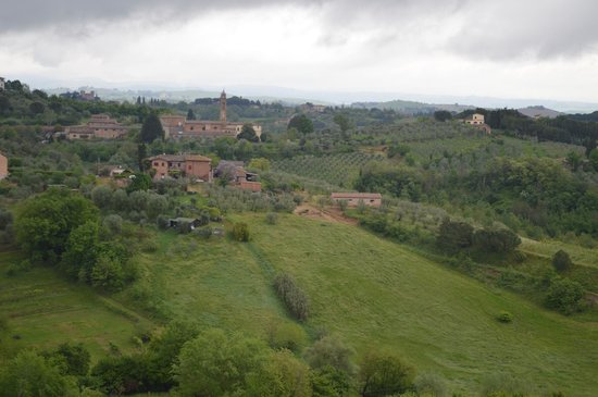 Palazzo di Valli : View of The local Tuscany Countryside from our room