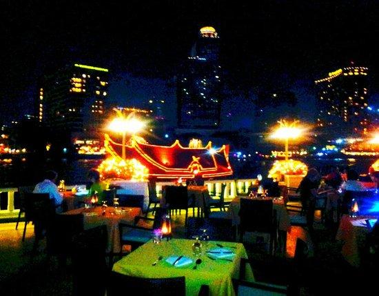 Mandarin Oriental, Bangkok : Mandarim oriental as margens do Rio Chao