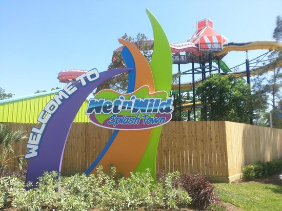 Wet 'n' Wild SplashTown: So, NEW, So BIG, So Close!!