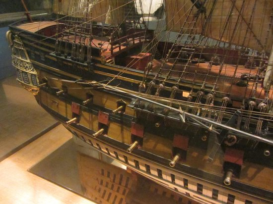 Musée de la Marine : Detail of 1/28th scale model of 64-gun ship Le Protecteur