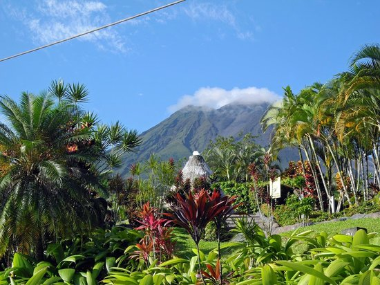 Los Lagos Hotel Spa & Resort: Blick am Morgen auf den Vulkan Arenal