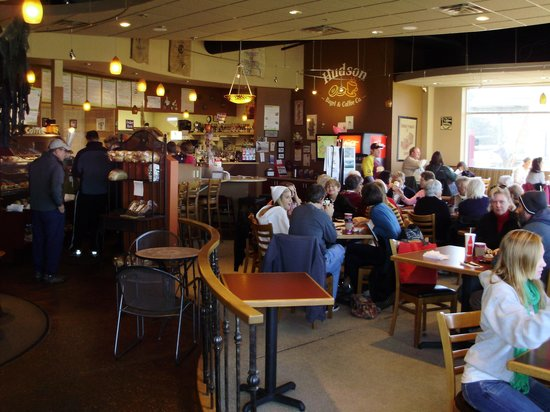 Hudson Bagel & Coffee Co.: Dining & Serving Area