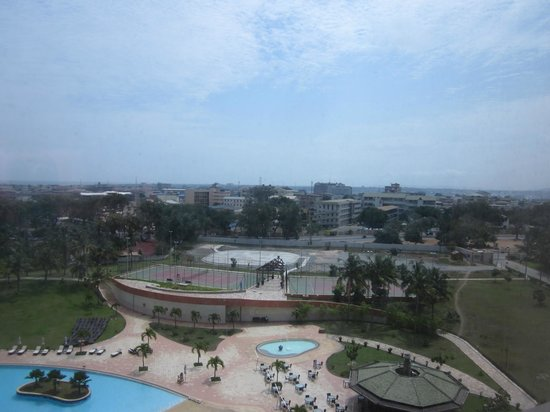 Movenpick Ambassador Hotel Accra: View from the pool