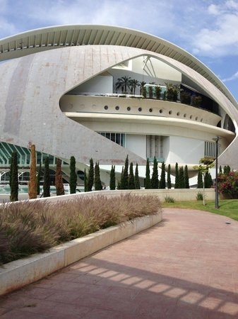 Ciudad de las Artes y las Ciencias: Arts and Sciences 1