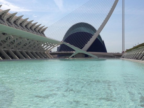 Ciudad de las Artes y las Ciencias: Arts and Sciences 2