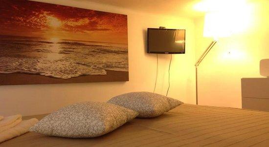 camera da letto soppalcata - Picture of B&B Nicolhouse, Bari ...