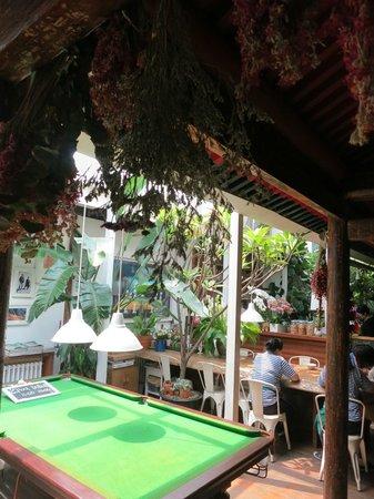Peking Yard Hostel: Inside communal area