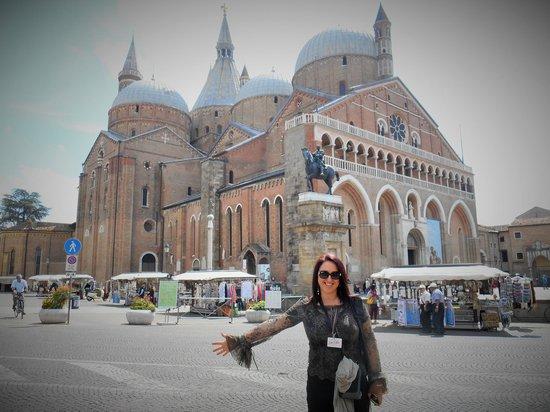 Al Fagiano: La Basilica di Sant'Antonio...a pochi passi dall'hotel