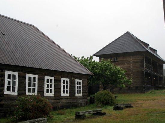 Fort Ross State Historic Park: Fort Ross, grey rainy day
