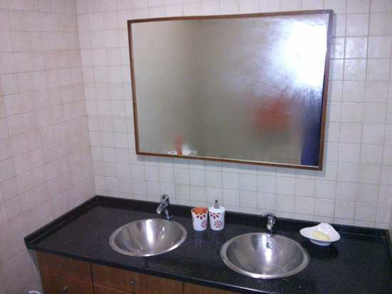 Sweet Home Hospedagem Hostel: Baño comun