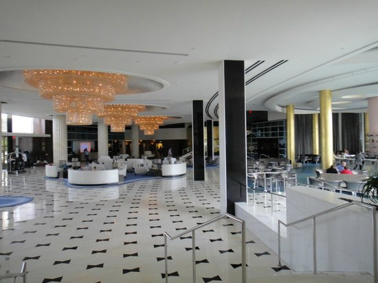 Fontainebleau Miami Beach : Lobby