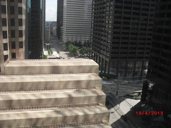 Hyatt Regency Houston : Daytime Room View