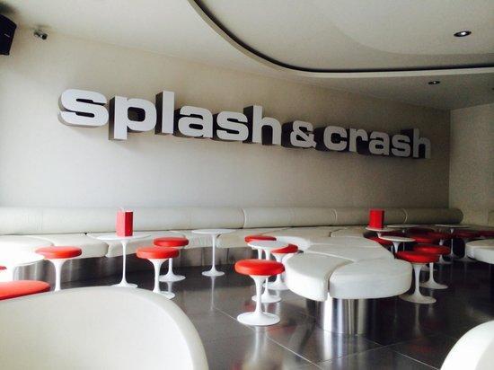 Gran Hotel Domine Bilbao: Splash and crash bar