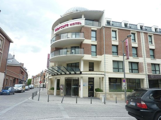 Mercure Amiens Cathedrale : Outside the hotel