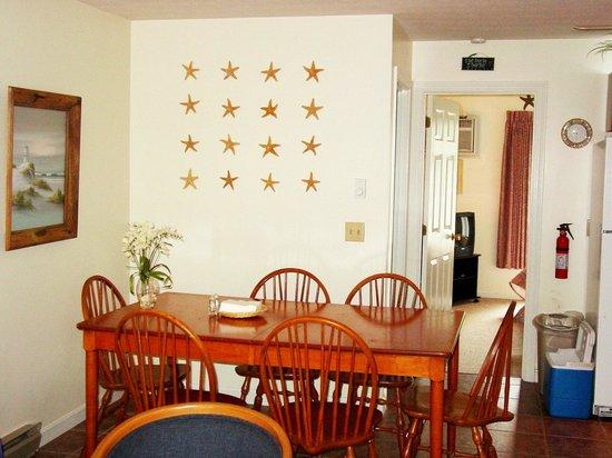 Elmwood Resort Hotel : Dining Area