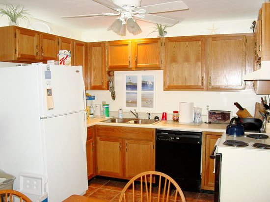 Elmwood Resort Hotel: Kitchen