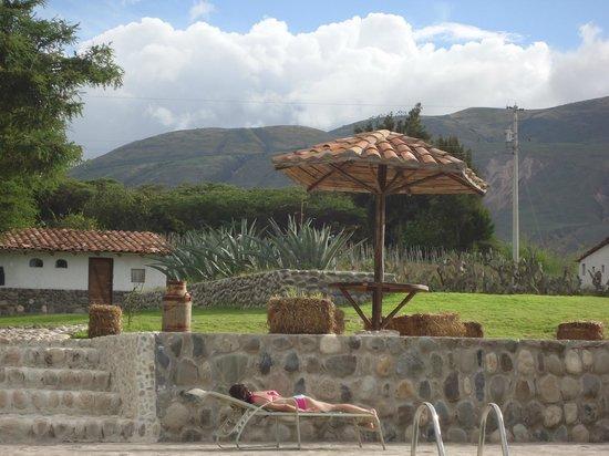 Hosteria Tunas y Cabras: Pool area.