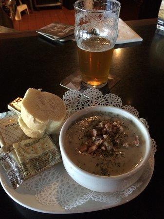Humpy's Great Alaskan Alehouse: Alaskan Smoked Salmon Chowder