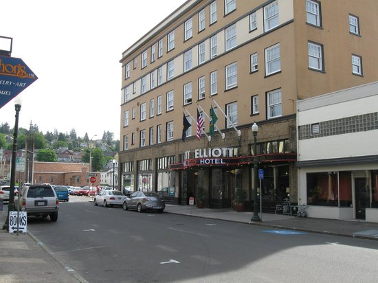 Exterior of Hotel Elliott