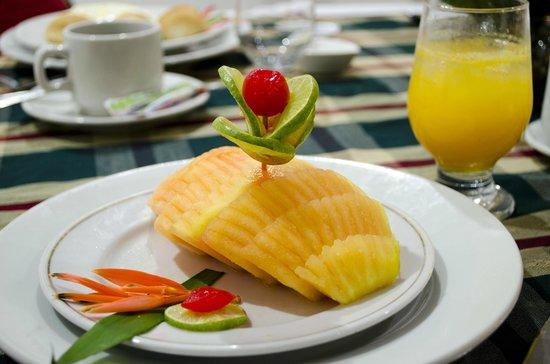 Virrey Inn: Frutas Tropicales