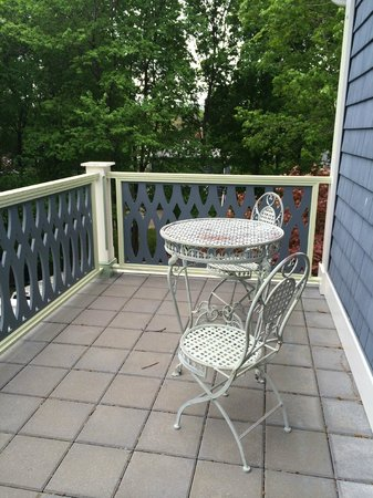 Chesley Road Bed and Breakfast: one of the table/chairs on our deck