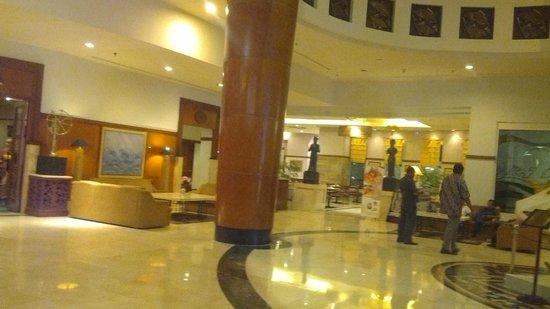 Hotel Sahid Jaya Makassar : suasana lobby