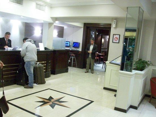 Waldorf Hotel: Recepção