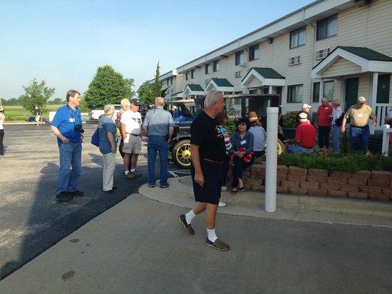 American Inn Ozark : Motel front area