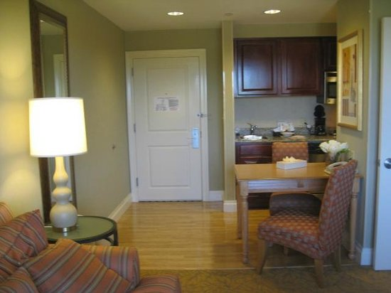 Homewood Suites by Hilton Palm Beach Gardens: kitchen area in room